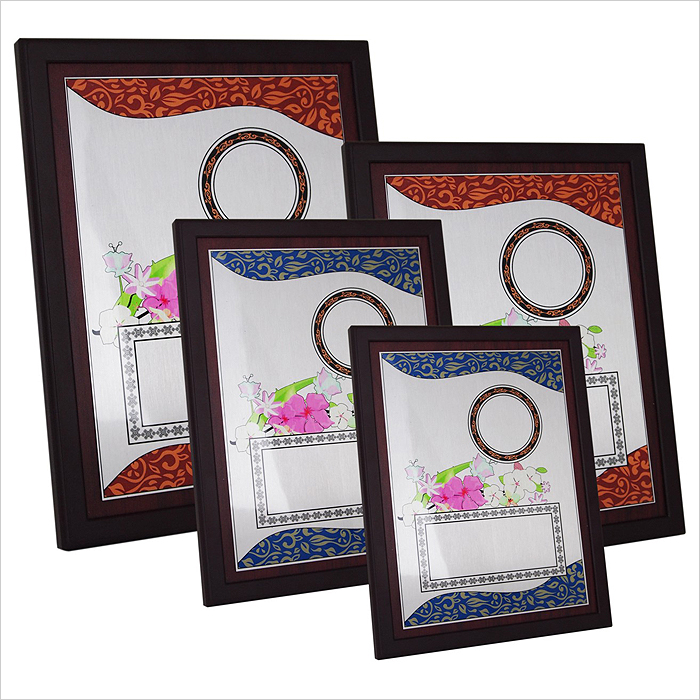4163 - Wooden Plaque with Plastic Stand