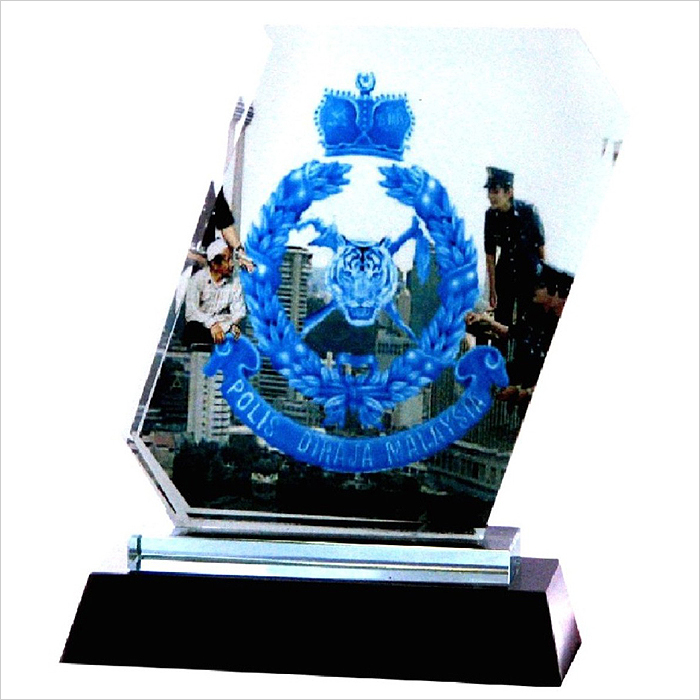 8005 - Exclusive Crystal Glass Awards