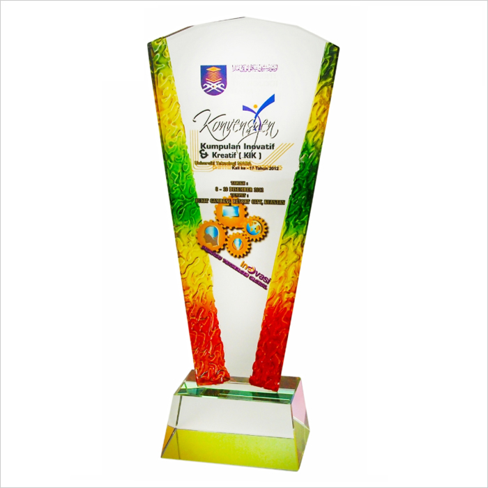 3019 - Exclusive Liuli Crystal Trophy