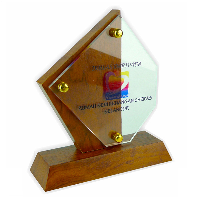 3011 - Exclusive Wooden Crystal Plaque
