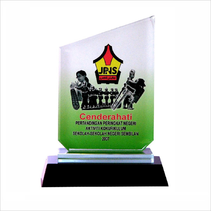 8004 - Exclusive Crystal Glass Awards