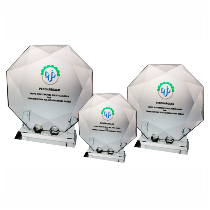 8025 - Exclusive Crystal Glass Award