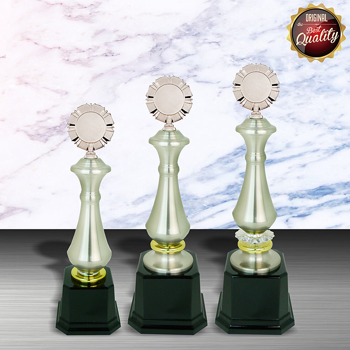 WS6013 - Exclusive White Silver Trophy